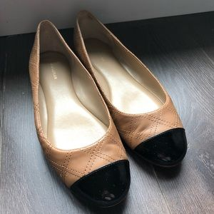 Ann Taylor Nude Flats With Black Tips